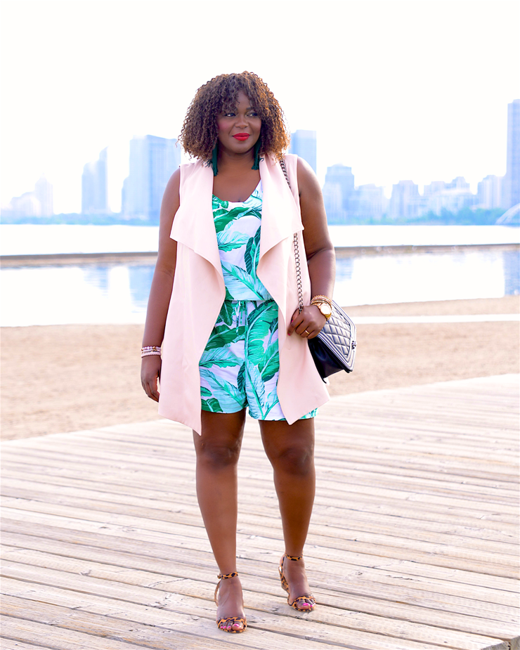 I l love a one-and-done outfit, and nothing does that better than a printed spring romper and this beautiful waterfall vest from le chateau! Where would you wear this look? #plussize #Assacisse #fashionblogger #mycurvesandcurls #canadianblogger