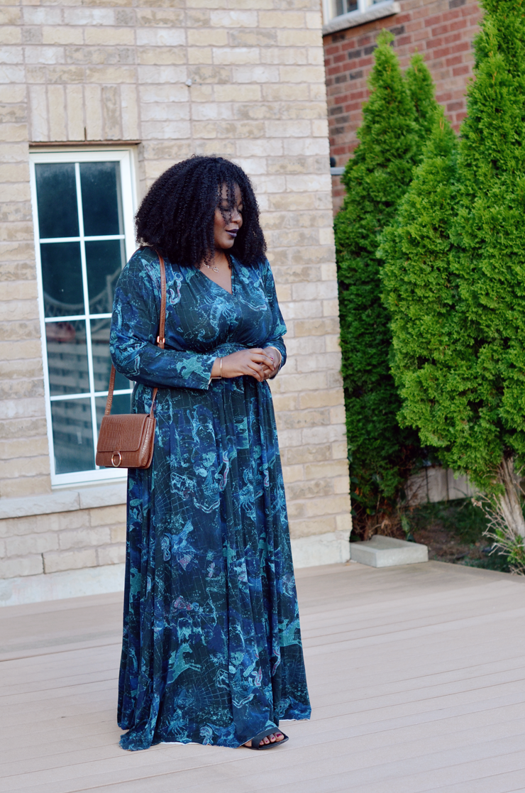 melissa-mccarthy-plus-size-fall-maxi-dress-transitioning-to-autumn