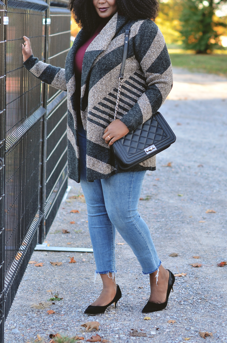 Beautiful plus size cozy coatigan paired with raw hem denim-mycurvesandcurls.com