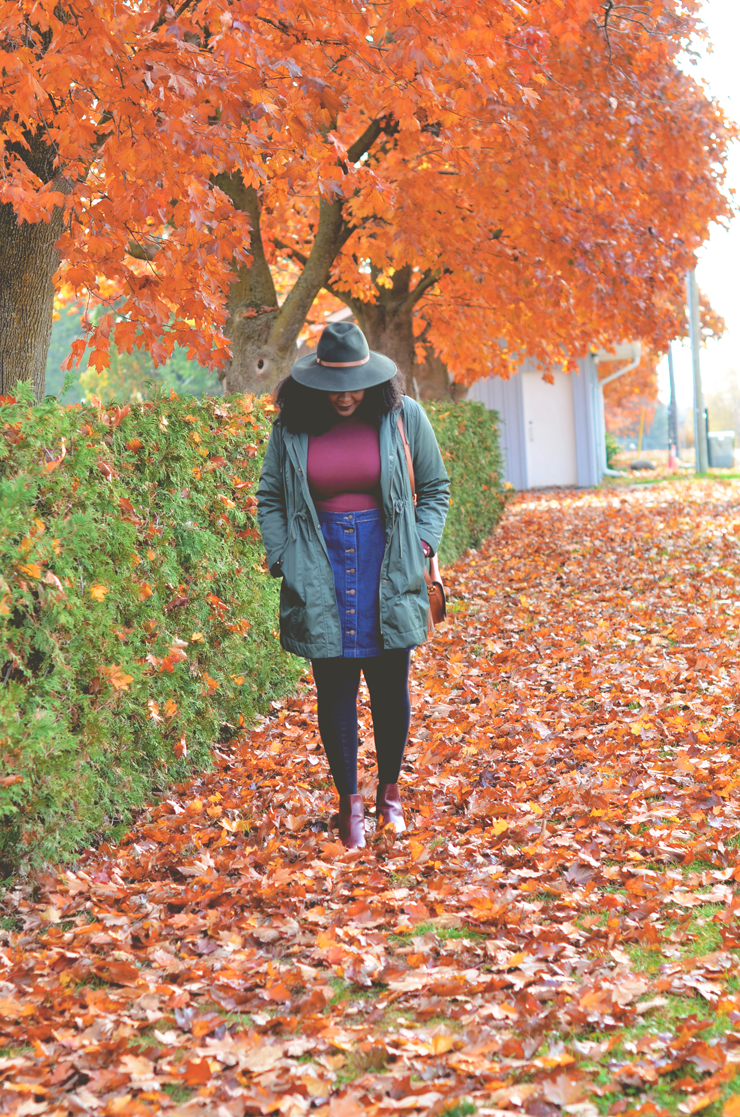 fall-leaves-top-canadian-fashion-blogger-plus-fall-outfit-ideas