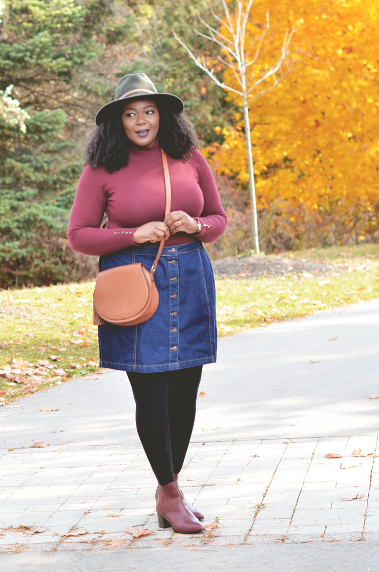 plus size denim skirt outfit idea- fall- mycurvesandcurls.com