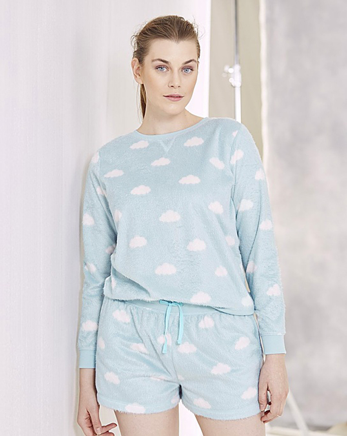 Try a sleek plus-size robe in a bold print while enjoying a morning cup of coffee. Wear a toasty flannel nightshirt while sitting by the fireplace on a cold wintery day. Explore the figure-flattering sleepwear options at Kmart and enjoy a good night's sleep.