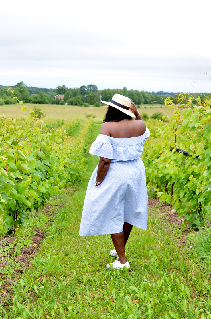 What to wear at the winery- sneakers and Dress